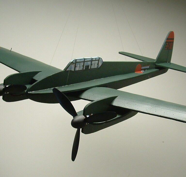 """50″ J1N1-S Nakajima """"Gekko"""" Profile Model Kit"""