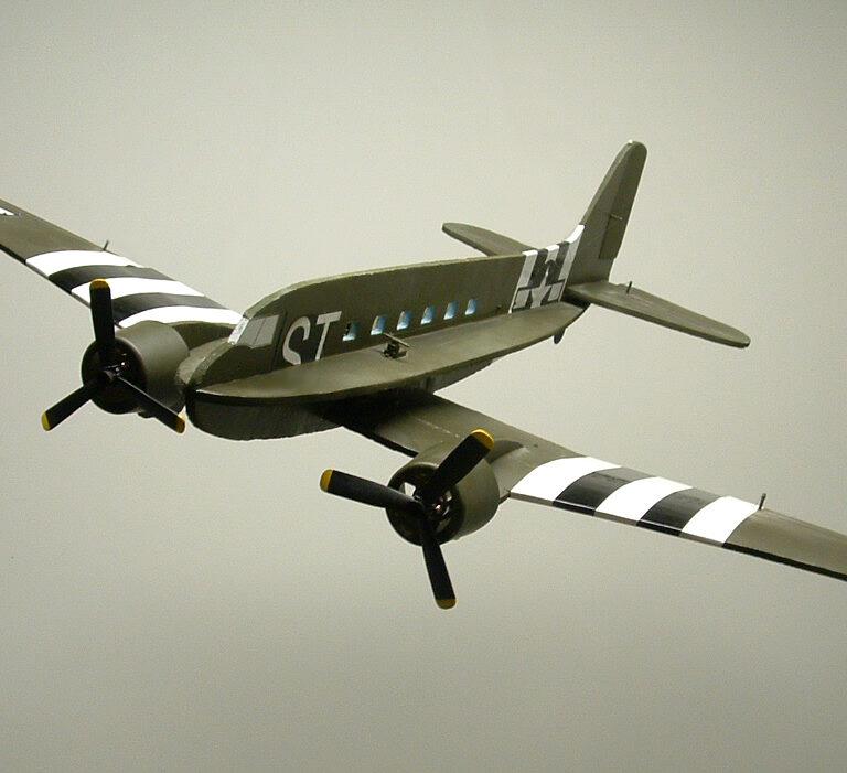 "44″ C-47 ""Skytrain"" Profile Model kit"