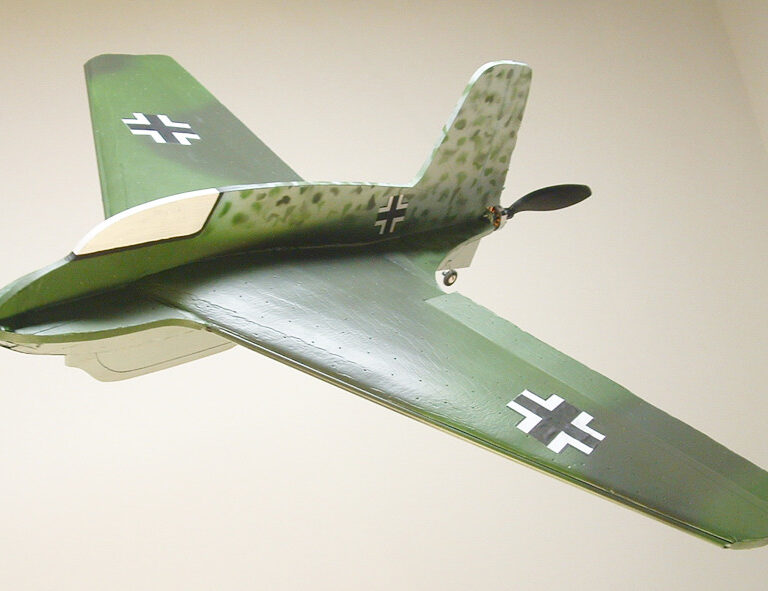 32″ ME-163B Komet Profile Model Kit (Combat Version)